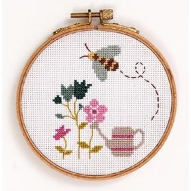 """Kit complet de broderie """"abeille"""" points comptés - Rico Design"""