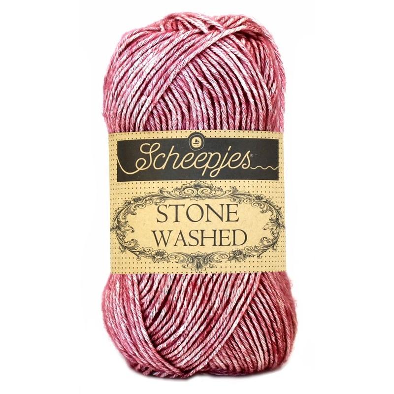 Pelote Stone washed de Scheepjes - Corundum Ruby 808